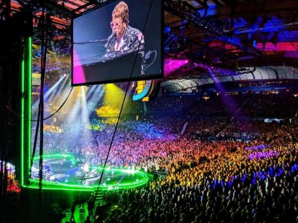Allstate Arena, vak: 205, rij: B, stoel: 1