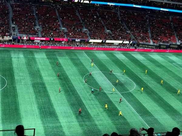 Mercedes-Benz Stadium, vak: 342, rij: 9, stoel: 23