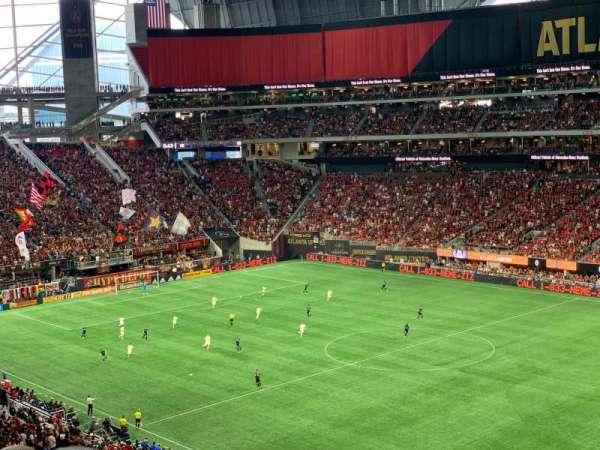 Mercedes-Benz Stadium, vak: 231, rij: 7, stoel: 20