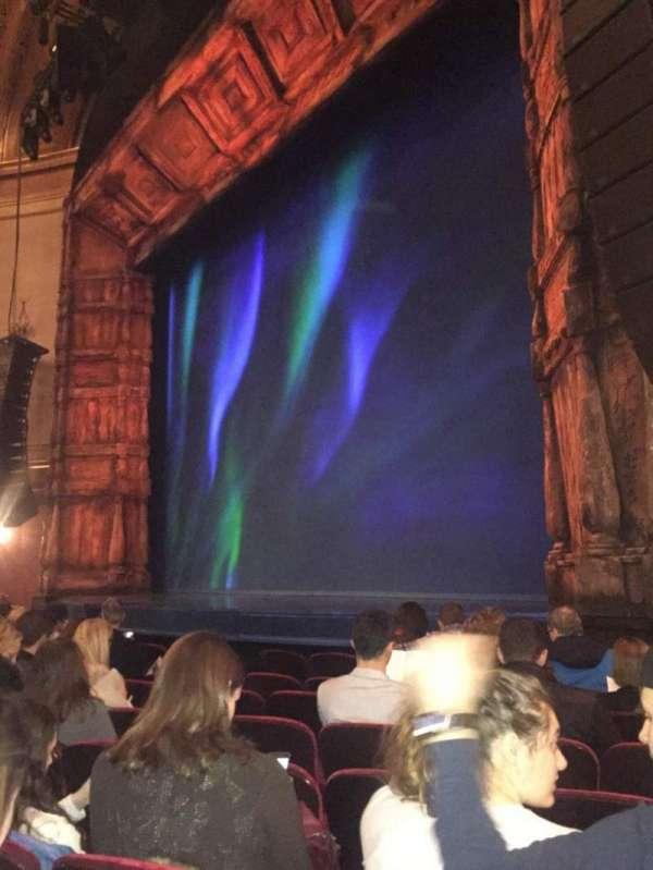 St. James Theatre, vak: Orchestra R, rij: G, stoel: 22
