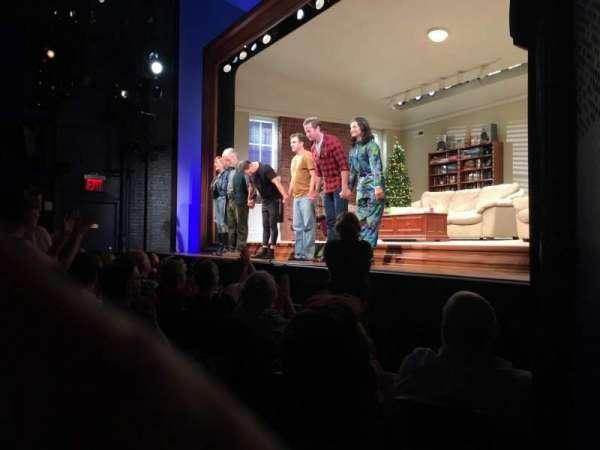 Hayes Theater, vak: Orchestra R, rij: F, stoel: 10