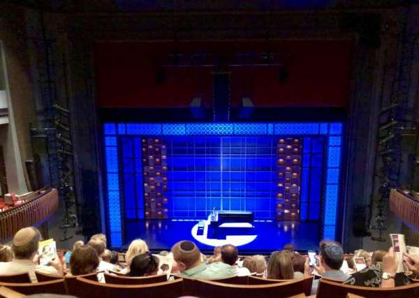 Stephen Sondheim Theatre, vak: MEZZ, rij: HH, stoel: 111