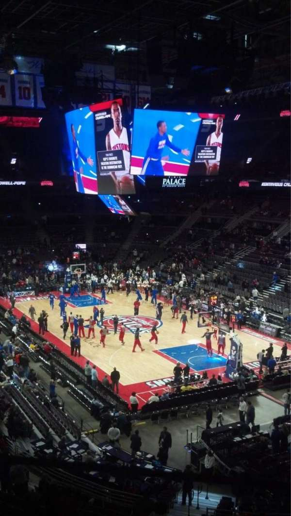 The Palace of Auburn Hills, vak: 225, rij: 10, stoel: 2