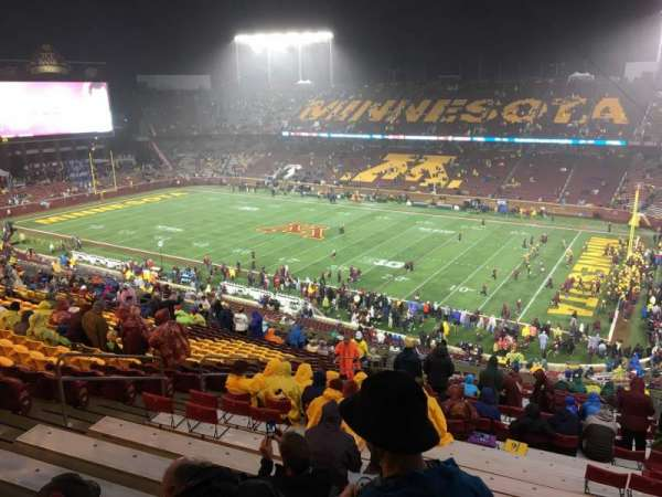 TCF Bank Stadium, vak: 236, rij: 22, stoel: 14