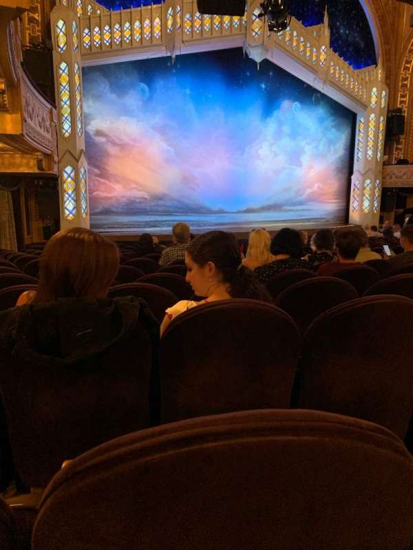 Eugene O'Neill Theatre, vak: Orchestra L, rij: P, stoel: 21