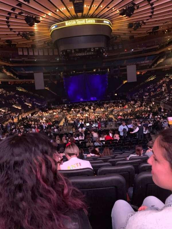 Madison Square Garden, vak: 102, rij: 15, stoel: 11