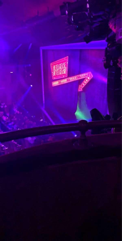 Winter Garden Theatre, vak: Mezzanine R, rij: A, stoel: 32