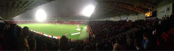 Keepmoat Stadium, vak: North East, rij: T, stoel: 1056