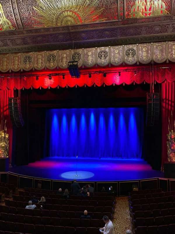 Beacon Theatre, vak: Loge 2, rij: A, stoel: 2