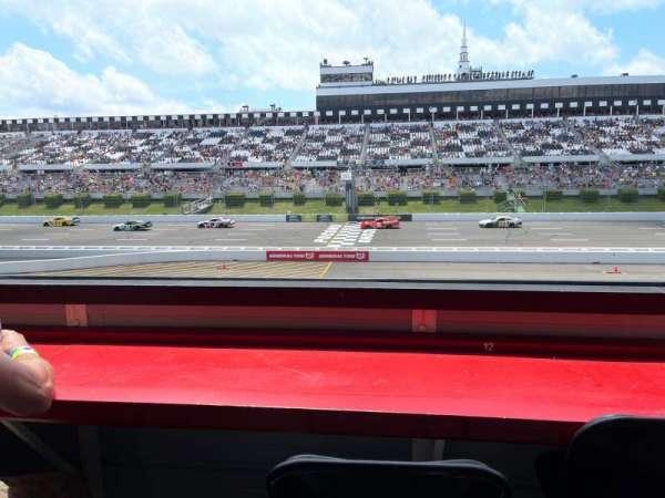 Pocono Raceway, vak: L3N, rij: B, stoel: 12