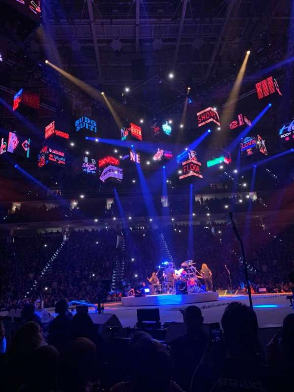 PNC Arena, vak: 119, rij: A, stoel: 8