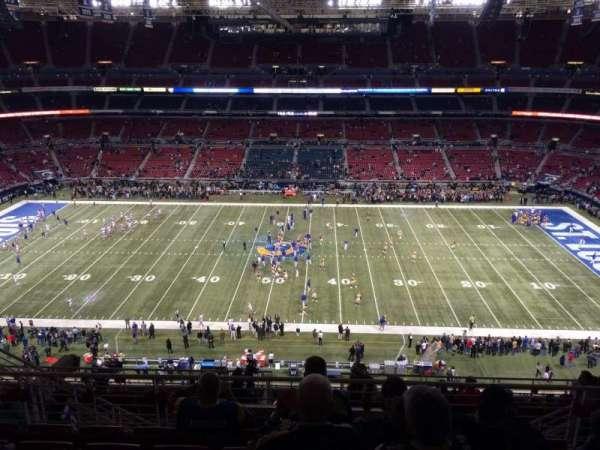 The Dome at America's Center, vak: 440, rij: HH, stoel: 8