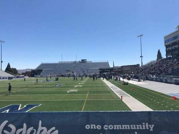 Mackay Stadium, vak: One Student, rij: 6, stoel: Right Sect
