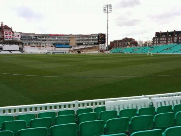 Kia Oval, vak: 15, rij: 7, stoel: 485