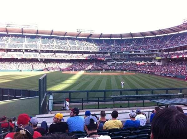 Angel Stadium, vak: P258, rij: P, stoel: 2