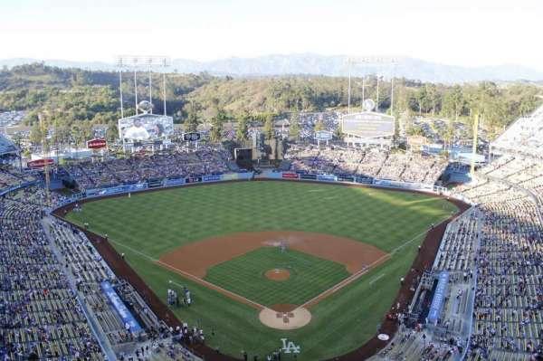 Dodger Stadium, vak: 3td, rij: e, stoel: 17