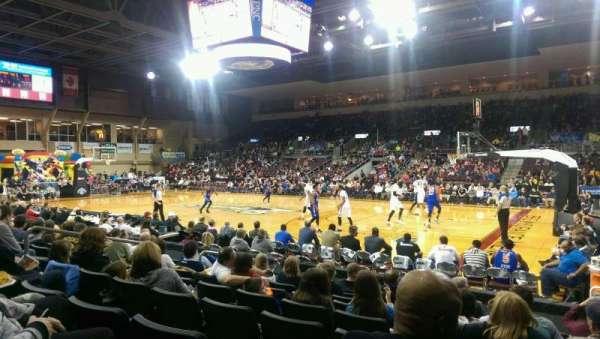 Erie Insurance Arena, vak: 106, rij: H, stoel: 5