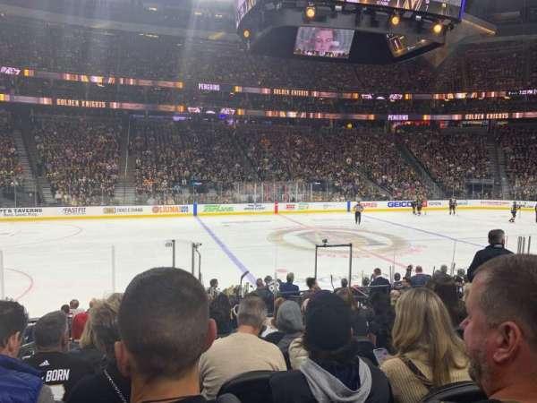 T-Mobile Arena, vak: 5, rij: J, stoel: 2