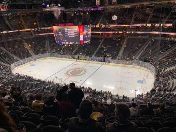 T-Mobile Arena, vak: 226, rij: K, stoel: 8