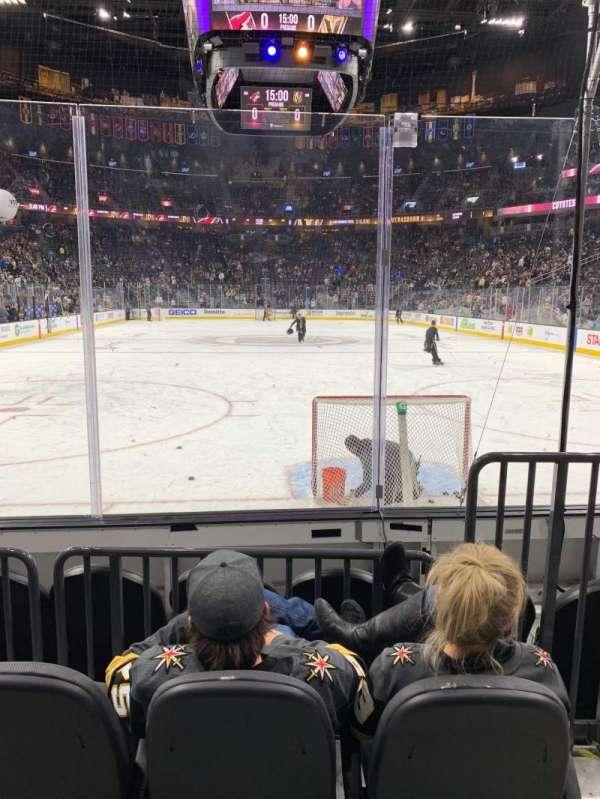 T-Mobile Arena, vak: 10, rij: C, stoel: 9