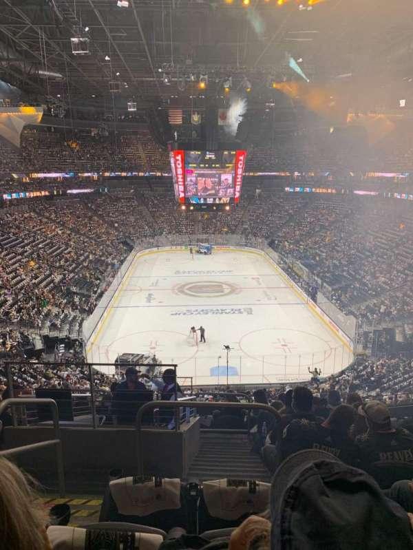 T-Mobile Arena, vak: 101, rij: K, stoel: 2