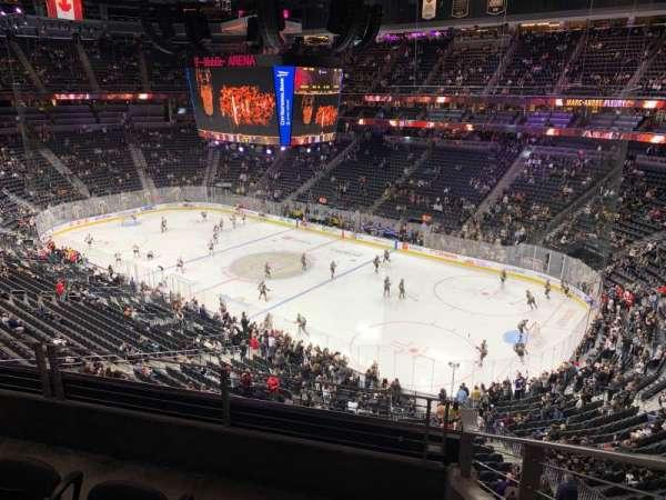 T-Mobile Arena, vak: 227, rij: C, stoel: 8