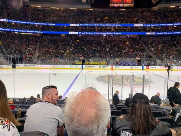 T-Mobile Arena, vak: 15, rij: G, stoel: 15