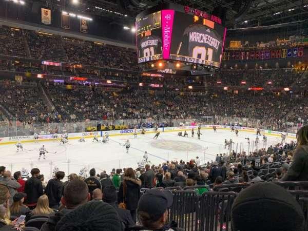 T-Mobile Arena, vak: 13, rij: S, stoel: 9
