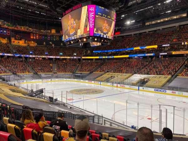 T-Mobile Arena, vak: 8, rij: N, stoel: 10