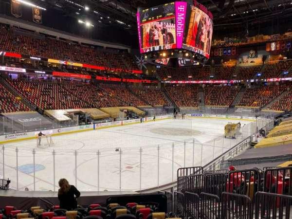 T-Mobile Arena, vak: 12, rij: N, stoel: 16
