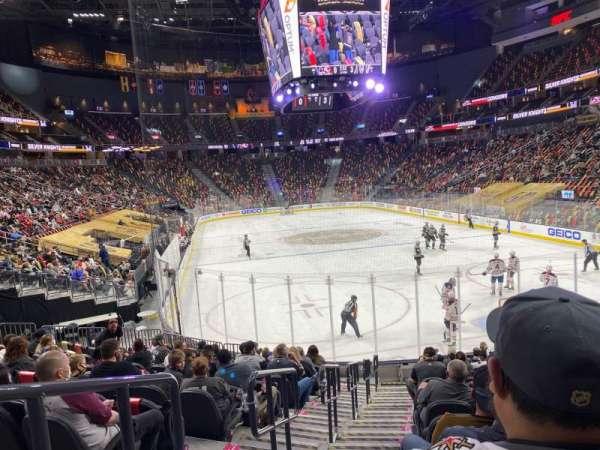 T-Mobile Arena, vak: 10, rij: N, stoel: 1