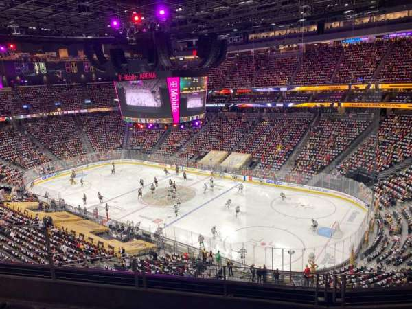 T-Mobile Arena, vak: 209, rij: D, stoel: 6