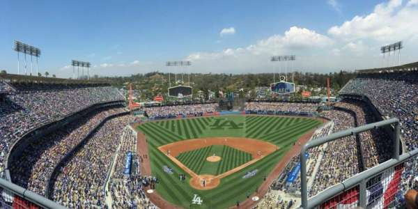 Dodger Stadium, vak: 2TD, rij: B, stoel: 17