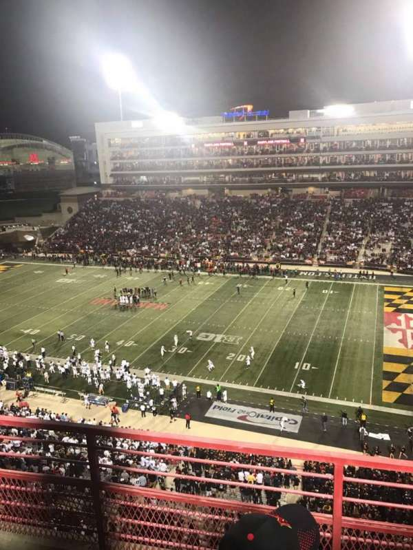 Maryland Stadium, vak: 310, rij: C, stoel: 10
