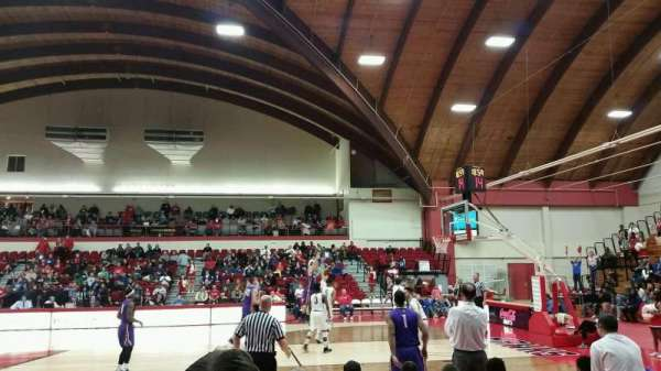 Chase Family Arena, vak: 107, rij: E, stoel: 6
