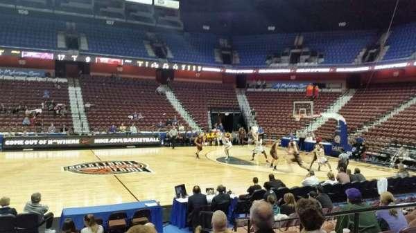 Mohegan Sun Arena, vak: 25, rij: I, stoel: 5