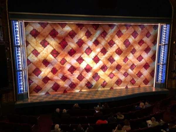 Brooks Atkinson Theatre, vak: Front Mezzanine C, rij: A, stoel: 101