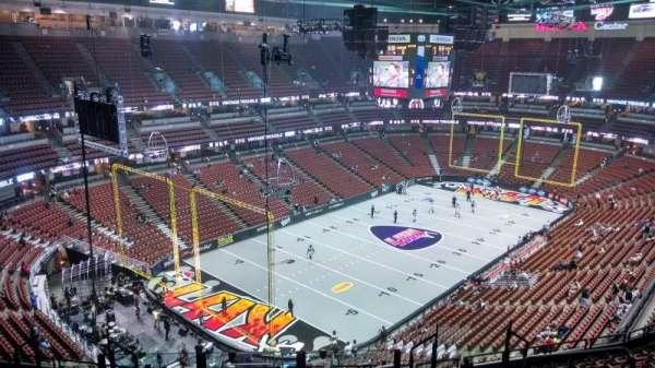 Honda Center, vak: 419, rij: M, stoel: 8