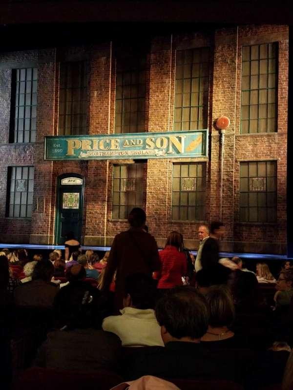 Al Hirschfeld Theatre, vak: OrchR, rij: P, stoel: 6, 8