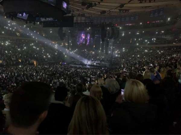Madison Square Garden, vak: 106, rij: 17, stoel: 6