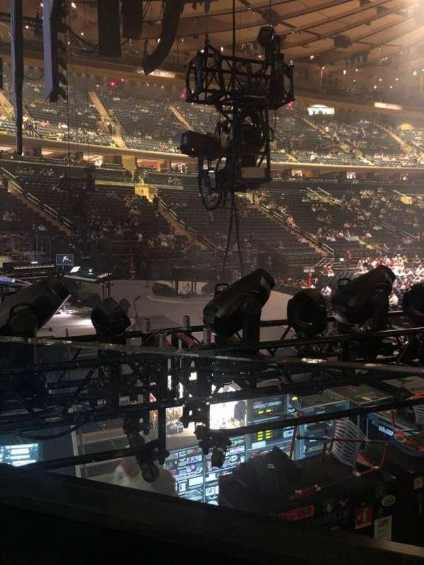 Madison Square Garden, vak: 114, rij: 6, stoel: 6