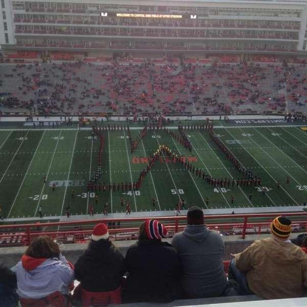 Maryland Stadium, vak: 305, rij: N, stoel: 13
