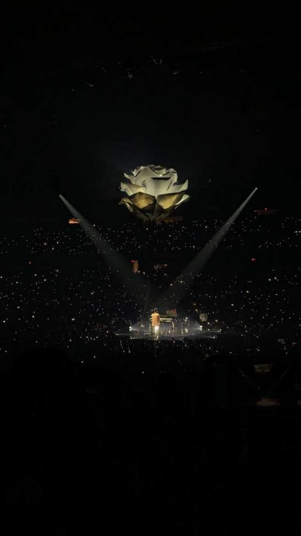 Allstate Arena, vak: 101, rij: M, stoel: 13