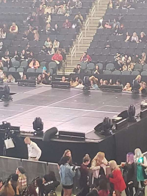 Infinite Energy Arena, vak: 119, rij: U, stoel: 16