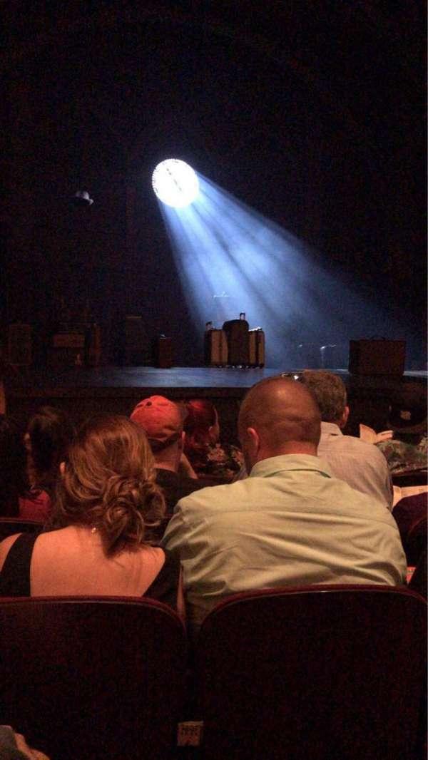 Lyric Theatre, vak: Left Front Orchestra, rij: E, stoel: 17