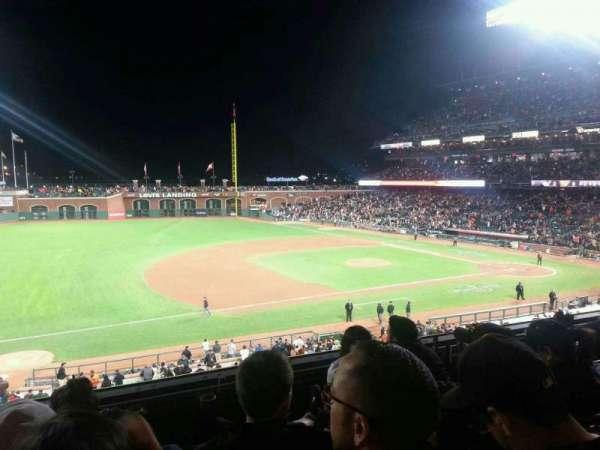 AT&T Park, vak: 225, rij: D, stoel: 16