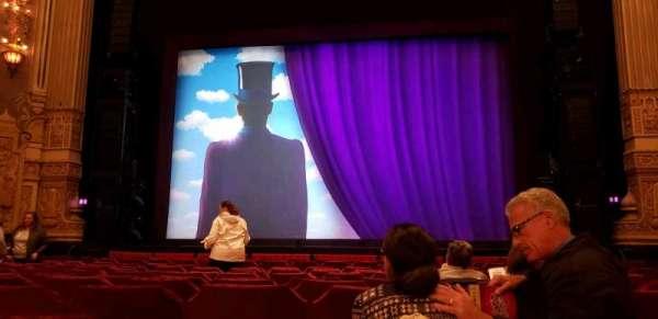 Oriental Theatre, vak: Orch C, rij: N, stoel: 112