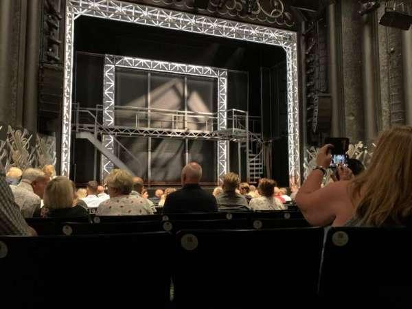 Trafalgar Theatre, vak: Stalls, rij: L, stoel: 20