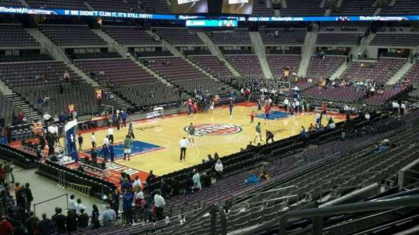 The Palace of Auburn Hills, vak: 104, rij: n, stoel: 003