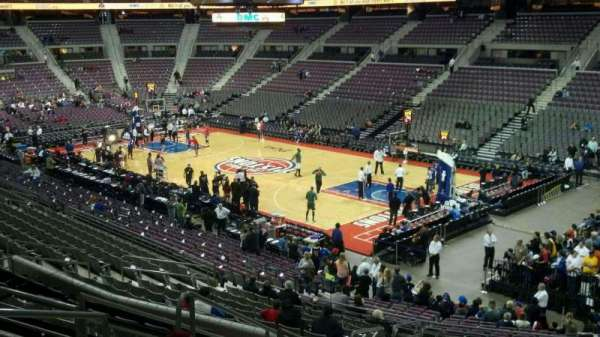 The Palace of Auburn Hills, vak: 110, rij: p, stoel: 016